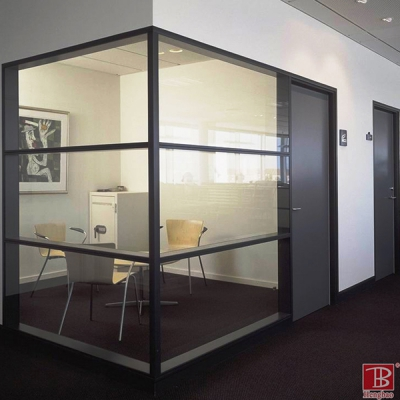 Application effect of fireproof glass partition in fire